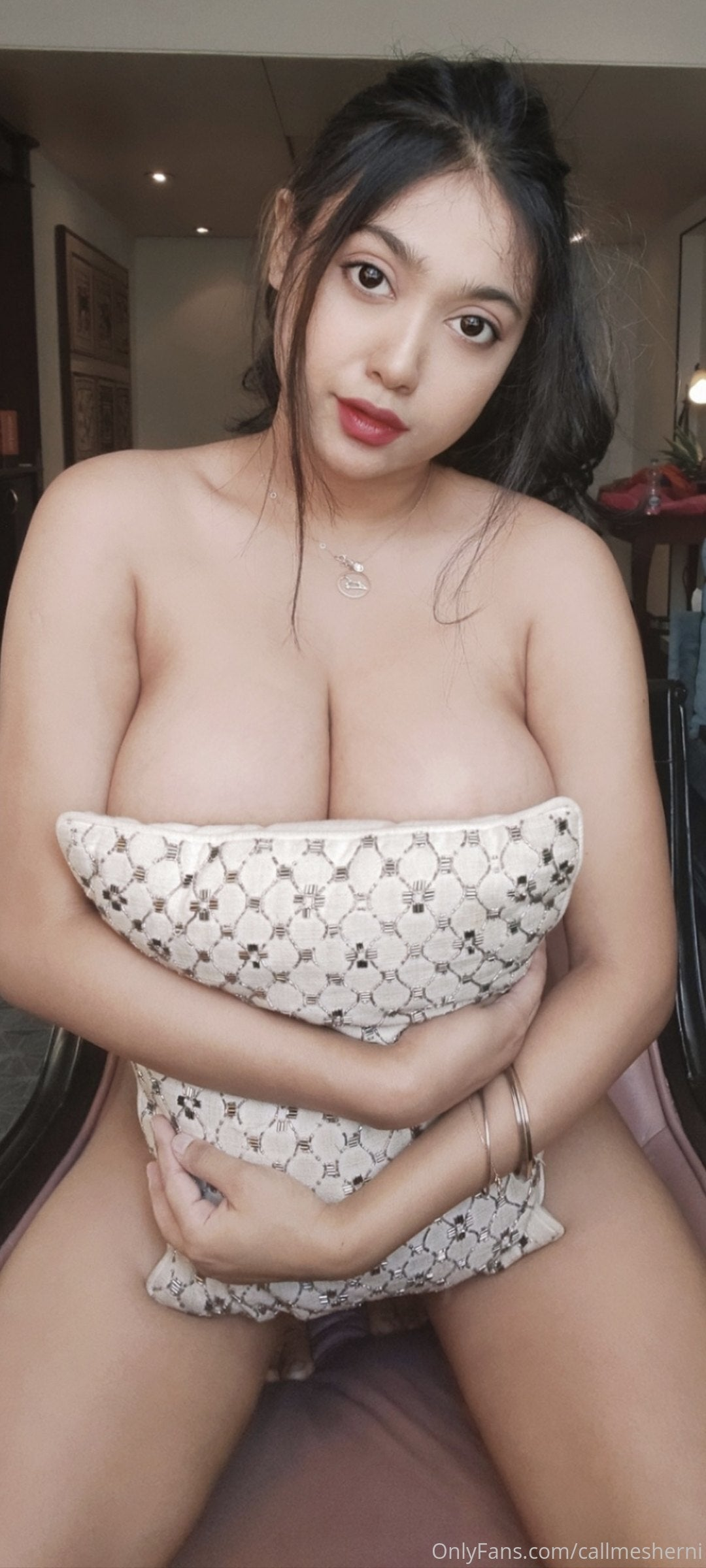 Collagr girl , tv actress, new models service provider in very low cost